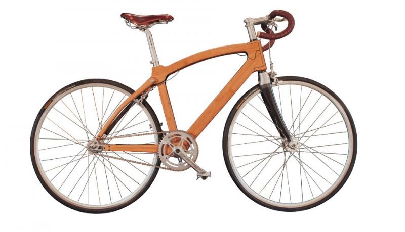 Guapa bicicleta de bambú