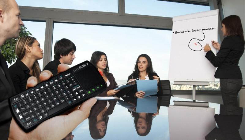 Favi Mini teclado con touchpad universal