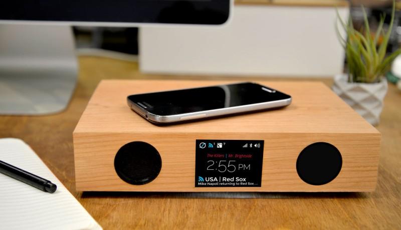 GlowDeck carga tu móvil, reproduce música y muestra las notificaciones