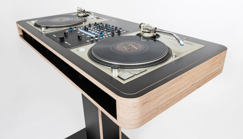 Mesa Stereo T DJ Workstation Hoerboard