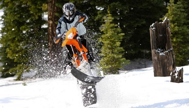 Convierte tu moto cross en una moto de nieve con Mountain Horse Kit